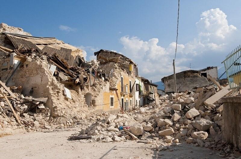 earthquake-1665878_1280